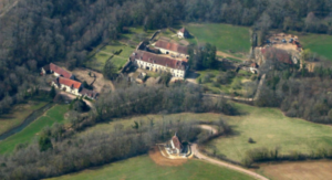 vue-du-ciel-abbaye-oigny-trottecocotte